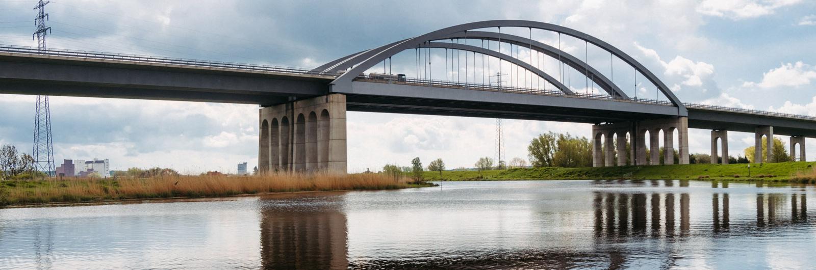 A23 Bogenbrücke