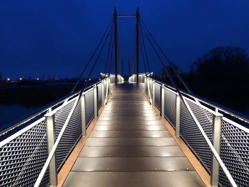 Hafenbrücke Geestacht bei Nacht