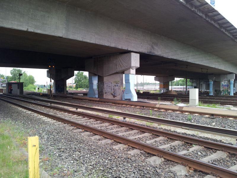 Stützenverstärkung Langenfelder Brücke